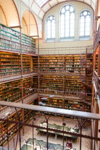 library-443371_640